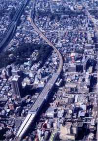 高架化された阪神電気鉄道西宮駅付近