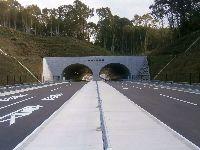 無事に完成し、供用開始した双設トンネル(赤峰トンネル)